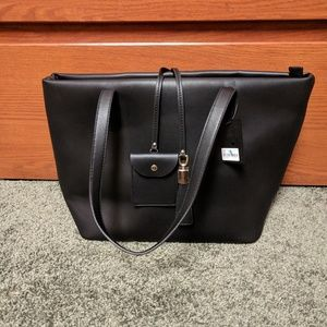 Brandnew Leather Tote Bag (with tag)